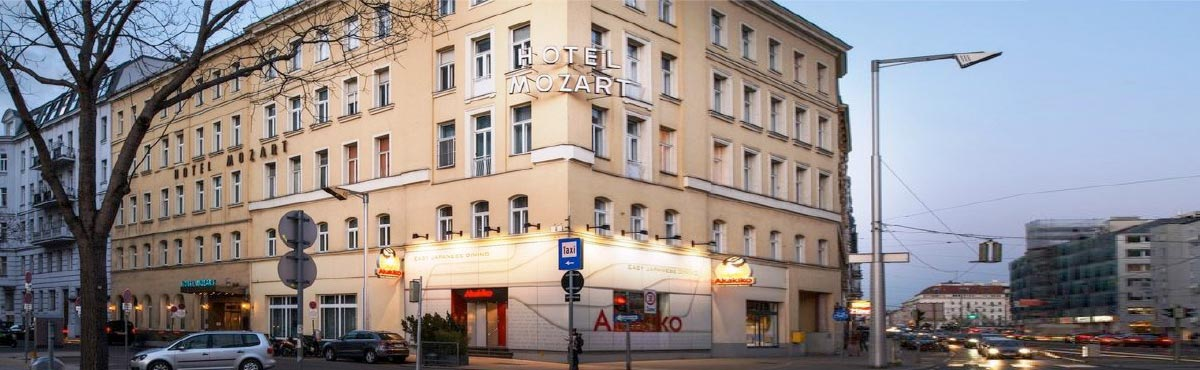 hotel mozart front view